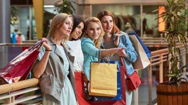 Un 45% de las mujeres no entra a una tienda si no hay rebajas