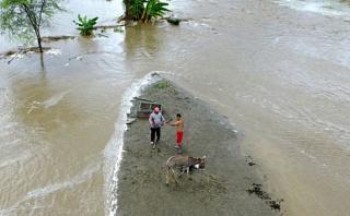 Ayudan a rescatar a personas aisladas con un dron en Piura