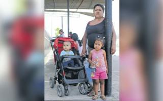Familias aún esperan un cupo en vuelos humanitarios de la FAP