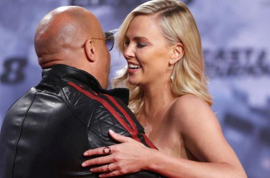 Rápidos y Furiosos 8: Charlize Theron y Vin Diesel en premiere