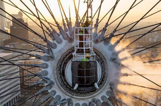 Así se limpian los monumentos más altos del mundo