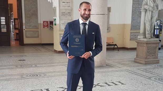 Chiellini terminó doctorado en Administración de Empresas