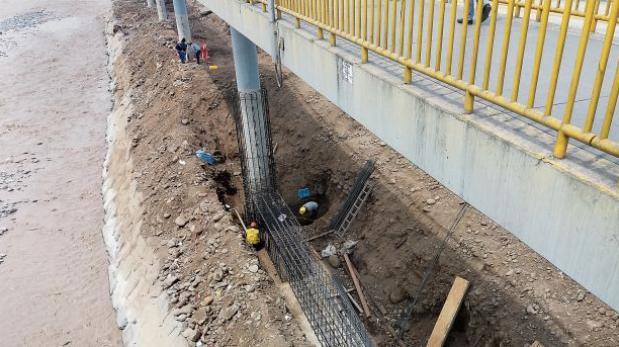 Municipalidad de Lima refuerza bases del puente Rayito de sol