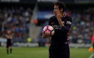 Neymar aplaudió tras expulsión y podría perderse el clásico