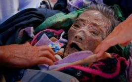 El pueblo de Indonesia donde los vivos conviven con los muertos