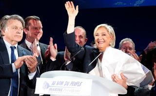 """Le Pen llama a """"liberar al pueblo francés"""" tras elecciones"""