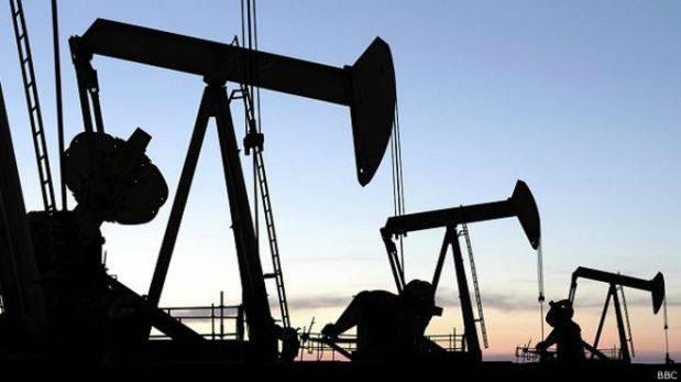 Petróleo: Exceso de oferta limitaría aumento del precio