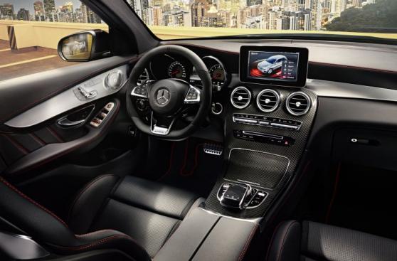 Mercedes-Benz presentó su nueva y equipada SUV GLC