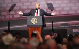 Trump afirma que nunca abandonará al lobby de armas