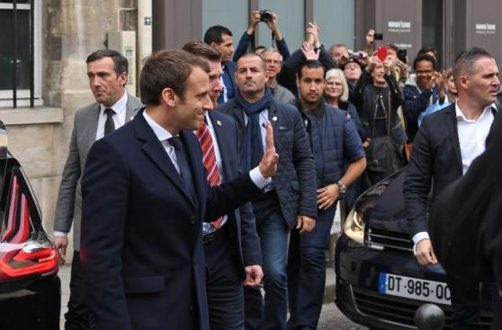 Macron visita y rinde homenaje a las víctimas del Holocausto
