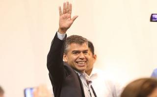 Julio Guzmán respalda propuesta de reducir firmas para partidos