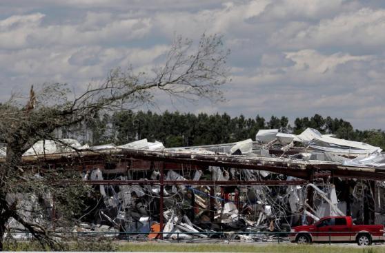 Tormentas, tornados y granizo dejan 14 muertos en EE.UU.
