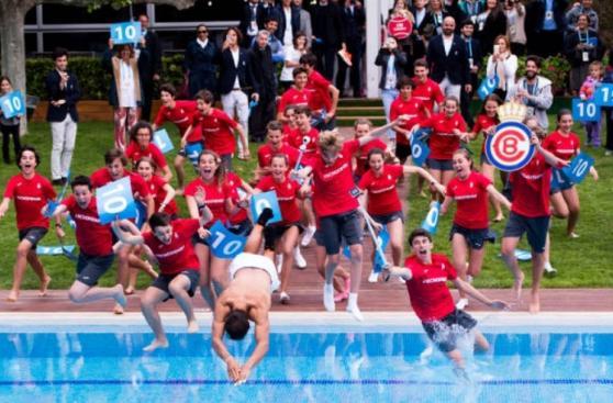 ¿Por qué Nadal celebró en Barcelona lanzándose a la piscina?