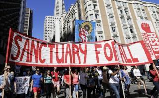 Miles protestan en EE.UU. contra Donald Trump