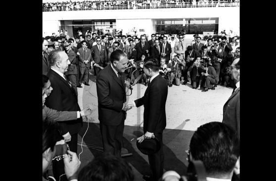 Hace 50 años el príncipe Akihito llegaba a Lima