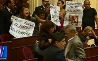 Congreso: manifestantes piden libertad de Fujimori tras debate