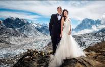 Pareja estadounidense se casa en el monte Everest