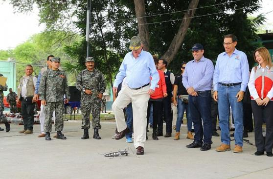 PPK encabezó campaña de fumigación contra el dengue en Piura