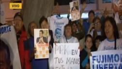 Simpatizantes de Alberto Fujimori hacen vigilia en clínica