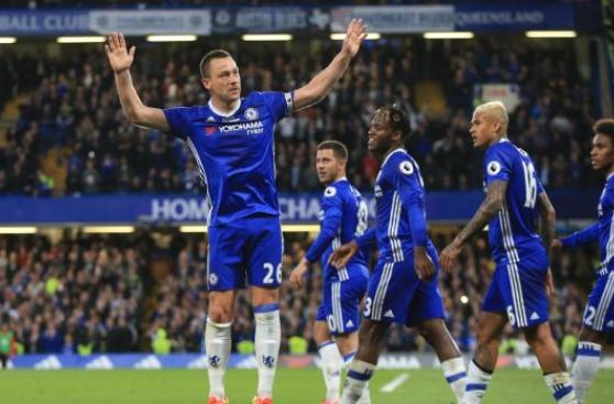 Con gol y 'blooper': Terry se despidió así de Stamford Bridge