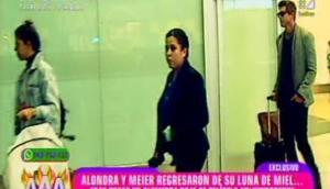 Alondra y Christian Meier, captados juntos en el aeropuerto