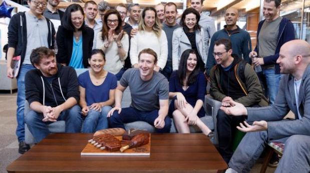 Mark Zuckerberg festejó su cumpleaños en la sede de Facebook