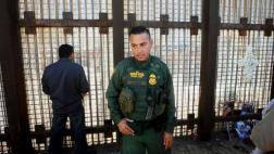 Inmigrante llamó a Policía para que lo deporten y lo arrestaron