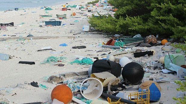 Isla del Pacífico está cubierta por más de 38 mlls. de desechos