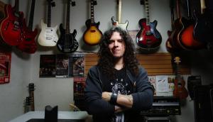 Charlie Parra: el guitarrista que <br> cautiva YouTube [VIDEO]