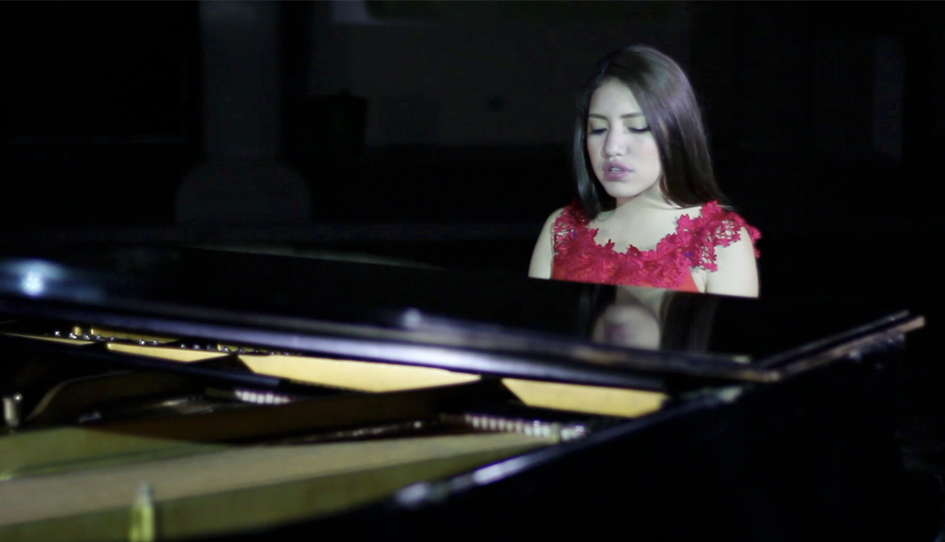 Renata Flores, la cantante peruana que busca revalorizar el quechua