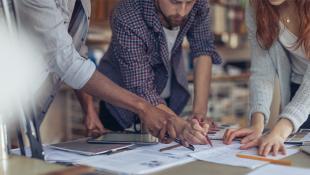 ¿Cómo funciona una incubadora de negocios?