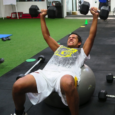Puedes optar por un entrenamiento personalizado o uno más específico como el fortalecimiento de una post lesión.