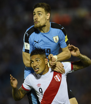 Uruguay 1-0 Perú: todavía sin levantar cabeza