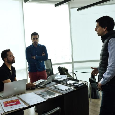 Hoy Tondero, de ser tres personas en un reducido espacio ahora son 27, ocupando una moderna oficina en el piso 18 de un edificio corporativo.