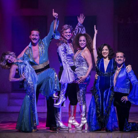 """En tres temporadas del musical """"Mamma Mia!"""", Los Productores vendió más de 100 mil entradas."""