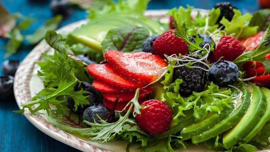 En la media mañana o media tarde, lo ideal es consumir la fruta sola para no ganar peso. Conoce en esta galería las que contienen menor cantidad de azúcar.