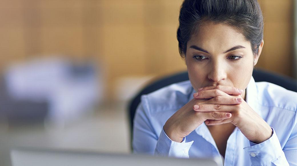 ¿Cómo afecta un escándalo en el clima laboral de una empresa?