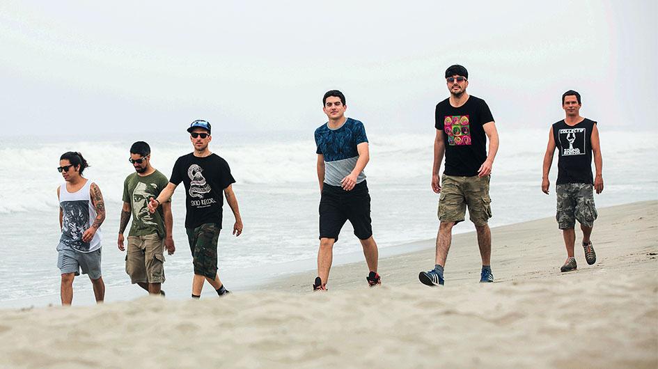 La Mente. Grupo que mezcla rock y visuales siempre con una propuesta novedosa.