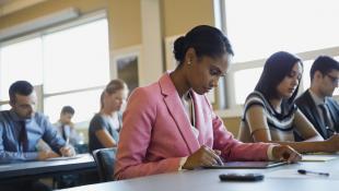 Lo que debes saber para elegir una escuela de negocios