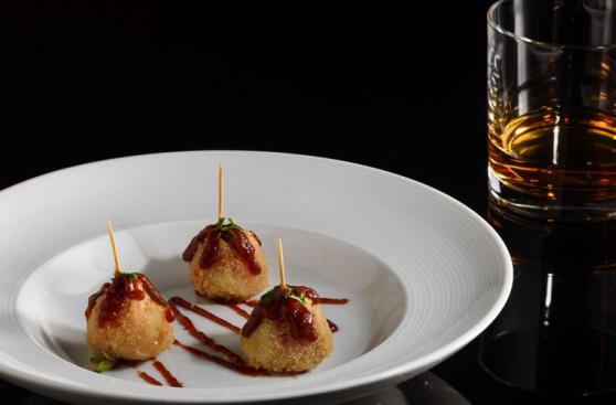 3 opciones para maridar el whisky con platos fusión