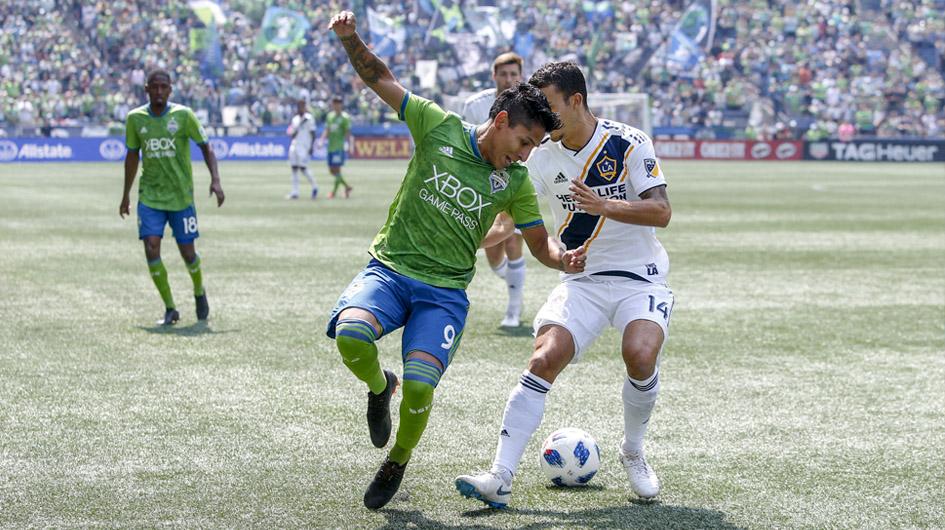 Raúl Ruidiaz. Es llamado a ser el goleador de su nuevo club, para obtener el título de la MLS. Goleador en Morelia (MEX) ahora en el Seattle Sounders FC. Su valor subió de US$ 100.000 a US$ 7'500.000.