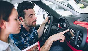[VIDEO] ¿Te vas a comprar un auto? Toma nota a estos 7 consejos