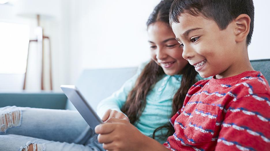 YouTubers y los niños: ¿Cómo controlar lo que ve mi hijo?