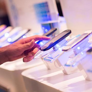 [VIDEO] ¿Te comprarás un nuevo celular?: Sigue estos consejos