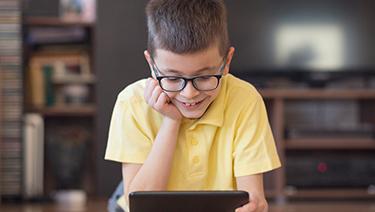 4 acciones que te ayudarán a cuidar la vista de tus hijos