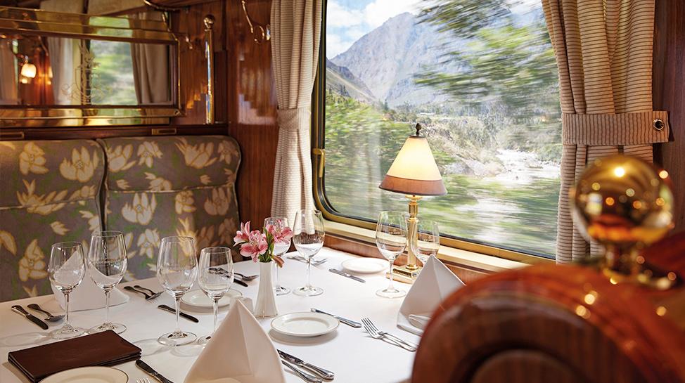 El servicio incluye cocteles a bordo, almuerzo con vinos, música en vivo, además del ingreso al complejo arqueológico y el guía.