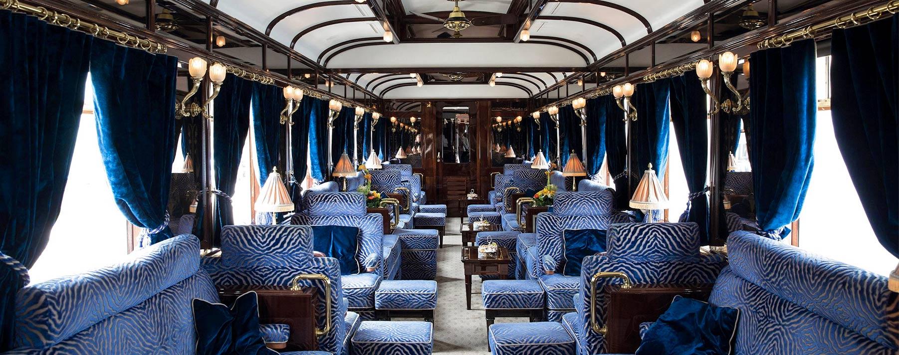 Todo el glamour de los años 20 puede revivirse en el Venice Simplon Orient Express, que visita ciudades del Reino Unido, Francia e Italia.