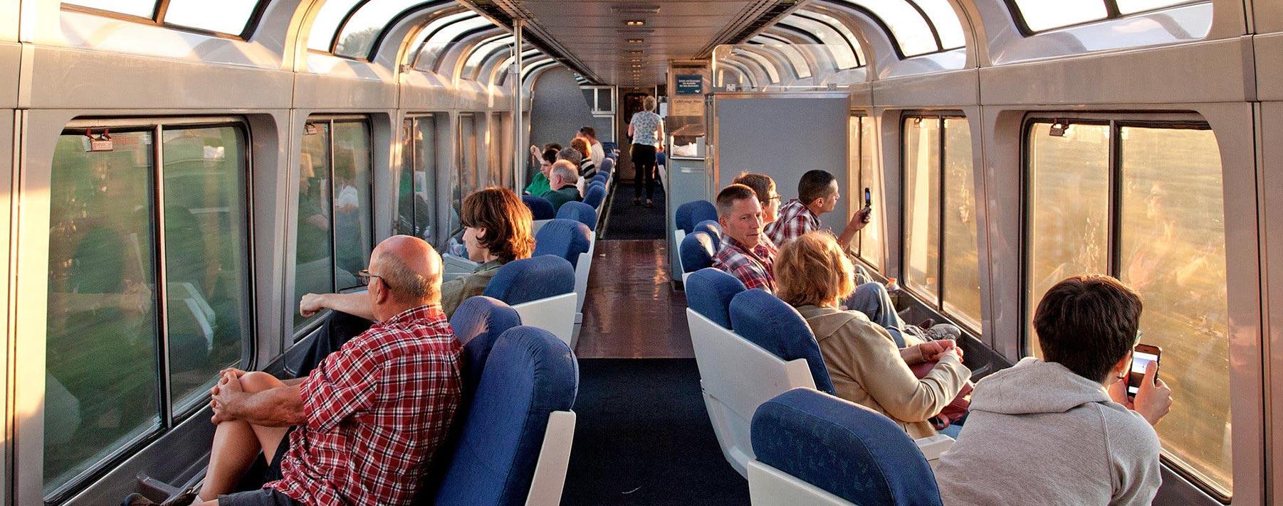 El California Zephyr es un tren que te lleva casi de costa a costa, pasando por las ciudades más conocidas de Estados Unidos.
