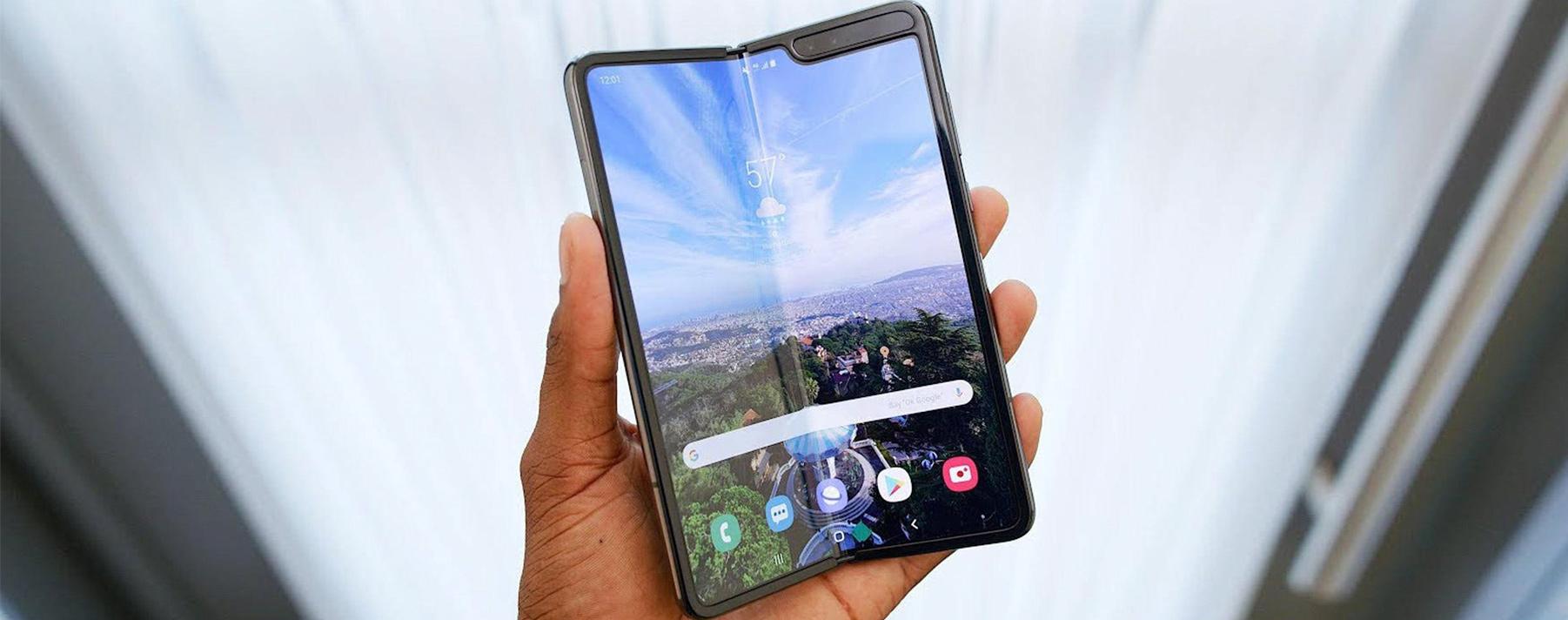 Samsung Galaxy Fold. Este dispositivo podrá ser móvil o tablet, dependiendo la necesidad del usuario.