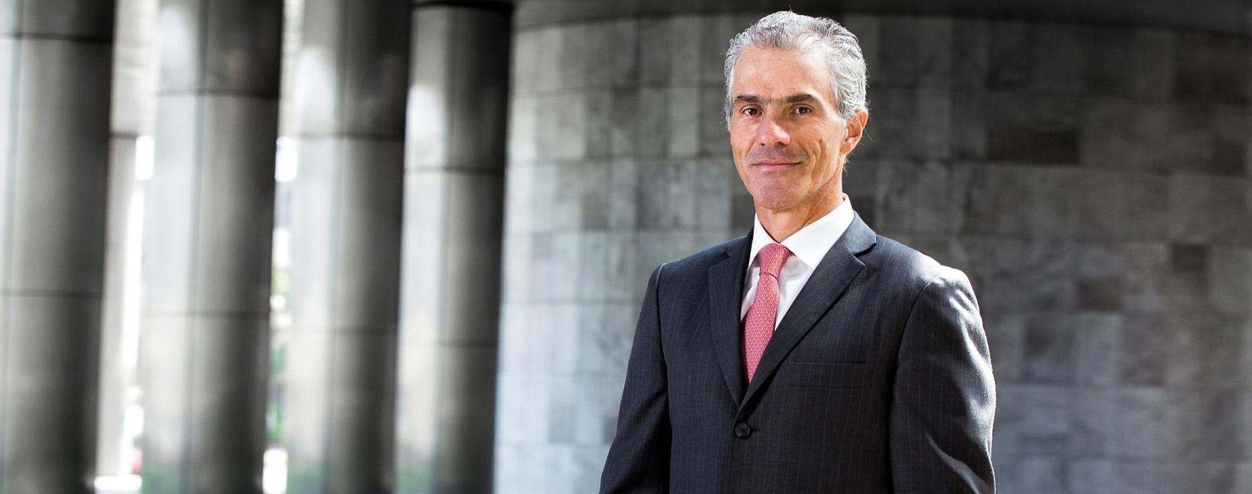 Gianfranco Ferrari. CEO del BCP, le dedica hasta 14 horas a la semana a la práctica del triatlón.